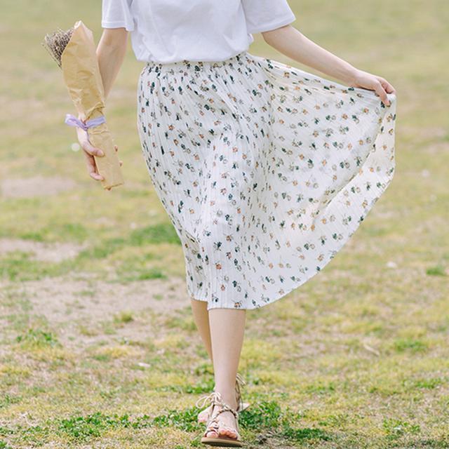 流行半身裙_20-35岁女人穿腻了连衣裙? 今年流行半身裙搭衬衫穿出小清新