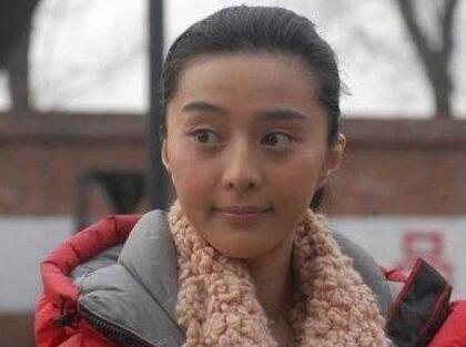 女星素颜揭秘: 范冰冰黑成碳, 杨颖脸瓢了, 刘嘉玲吓人