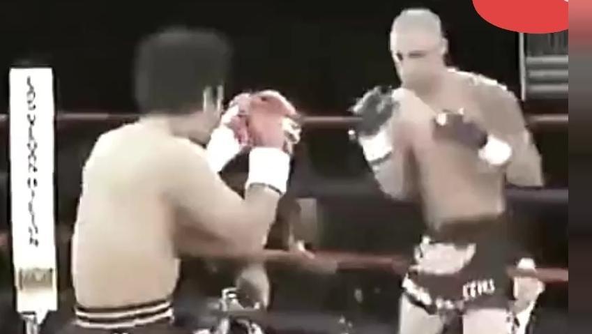 王洪祥重腿KO世界排名第一的美国拳手!这实力不服不行
