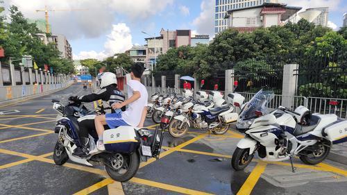 深圳光明3600余名警力全力护航高考