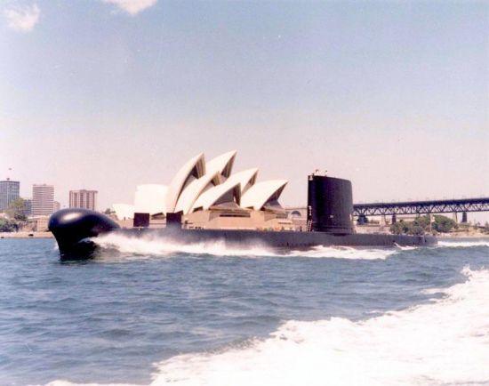 澳洲潜艇刺探中国水域被渔网缠住,差点被抓住(组图)