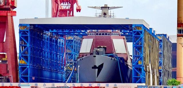 官曝某型号首制舰下水, 法国专家说它极可能是传说中的052E神盾