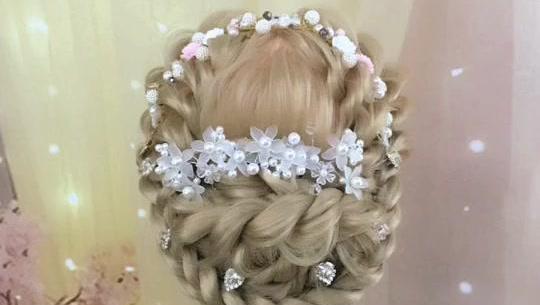 打开 花环新娘编发造型 做一个美美哒花仙子 打开 明星高大上时尚晚