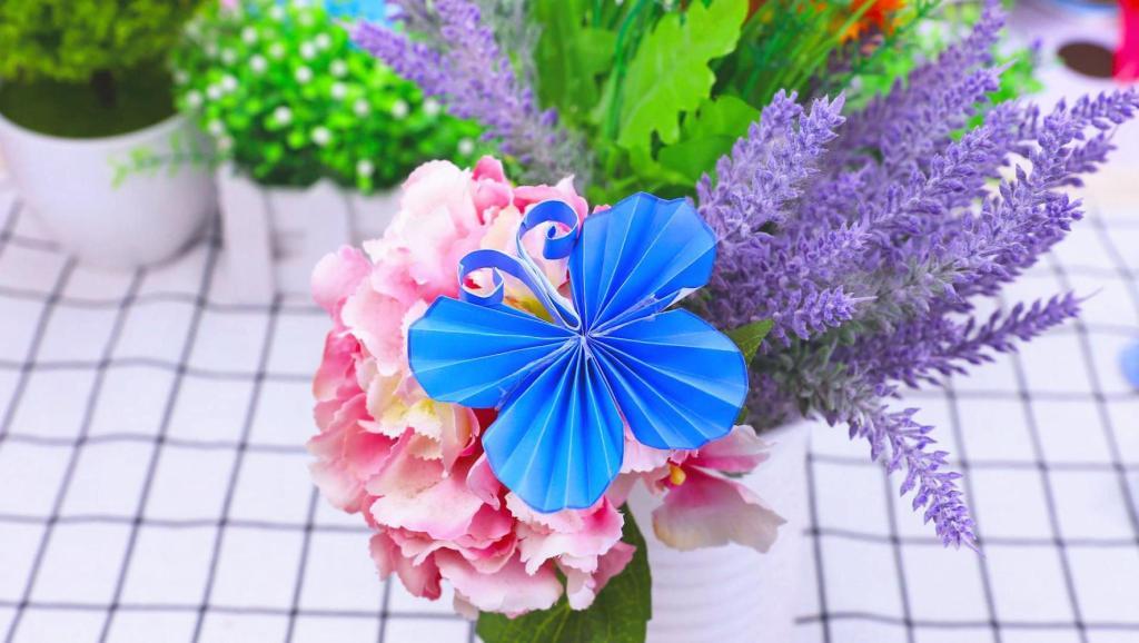 美甲初级教程甜蜜雕花蝴蝶 打开 手工diy视频教程,折纸美丽的小蝴蝶!
