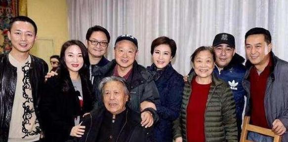 29岁出道,45岁才成名,但他的实力是靳东胡歌等人都折服的