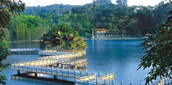 旅游景点:大雁山风景区,马山,仙鹤湖,古劳水乡,东坡亭,铁夫画阁等.
