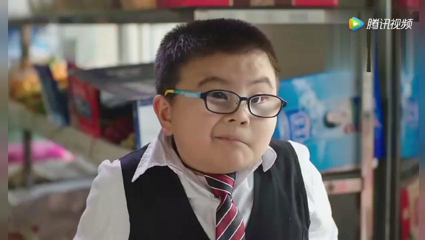 悲剧的小明总被老师喊滚出去,你的童年很不美丽啊!