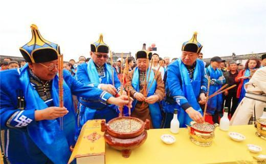 成吉思汗后人居住在此, 朱元璋给他们赐姓, 依然保留习俗