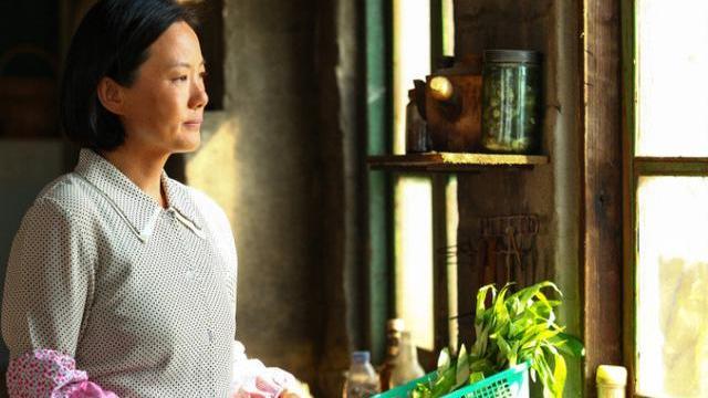 """出道20年不紅, 嫁王菲前男友, 結婚至今無孩子, 今49歲終獲""""影后"""""""