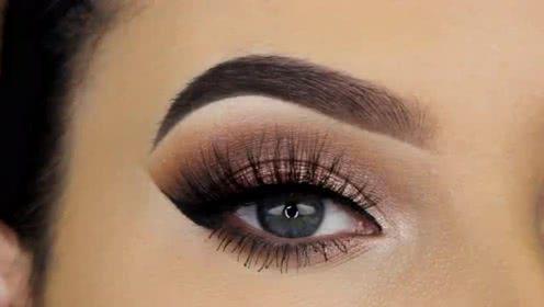 打开 打开 简单的日常眼妆化妆教程,让你的眼睛绽放异样光芒 打开
