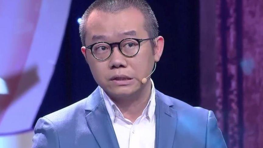 画面流出引网友谩骂: 伪君子 情感专家涂磊疑被曝飞机上不雅行为,