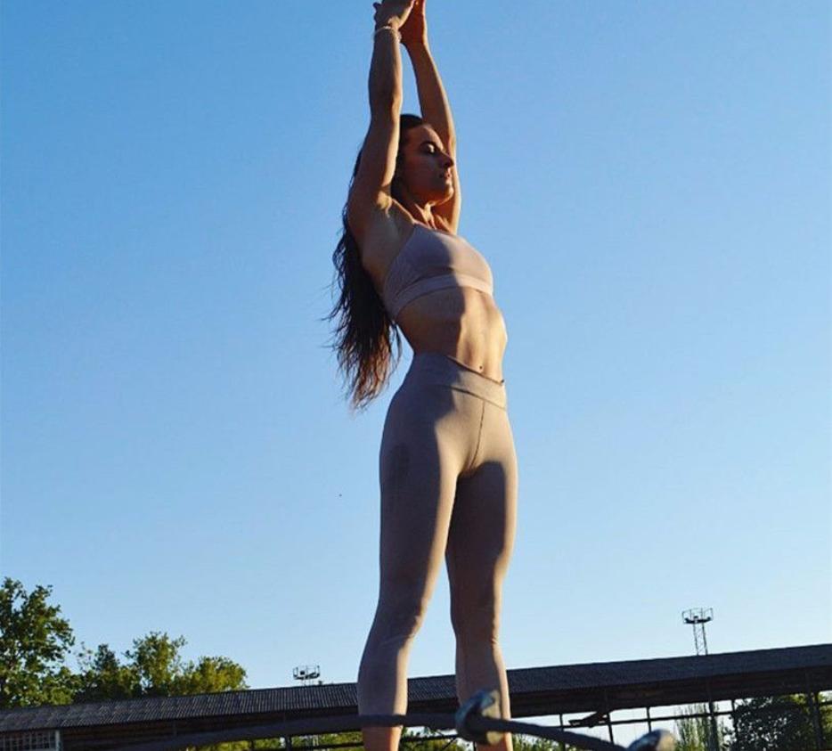 久坐腰粗赘肉多? 不妨练这些瑜伽体式, 轻松瘦腰不反弹!
