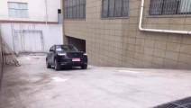 测试众泰新出车型: 本想原地烧胎上坡,结果动力太强自己都控制不了!