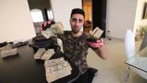 迪拜王子背着一袋钞票买兰博基尼SUV,没钱了只能回家吃泡面吧