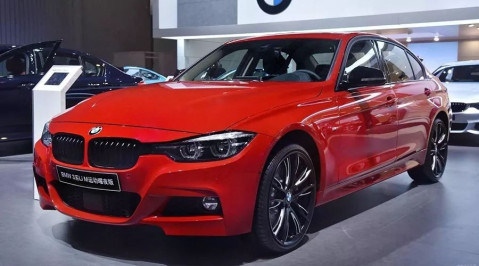 外观方面,新款宝马3系将新增长短轴距的全新m运动耀夜版车型.