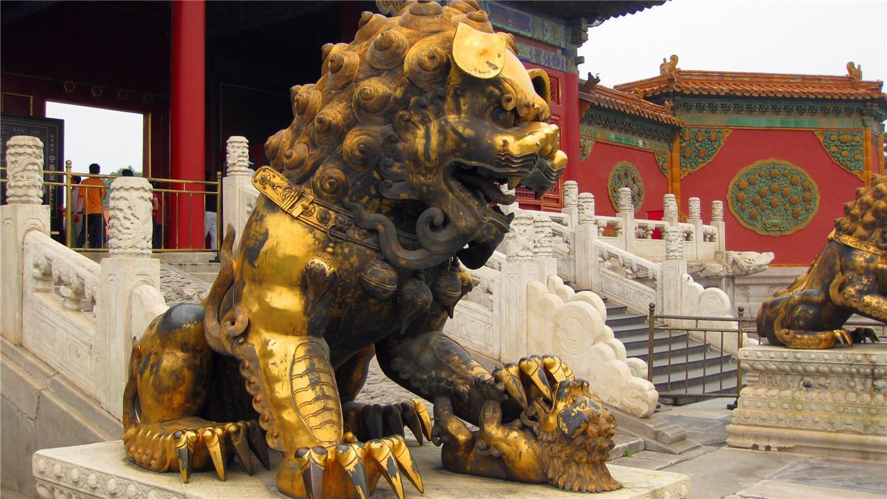 为什么故宫这一只狮子,游客绝对不能摸?看完后我全身冷汗