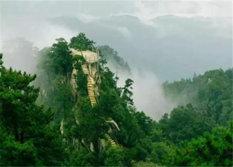 建国后开发为风景名胜区,景区于2011年获aaaaa级旅游景区称号.
