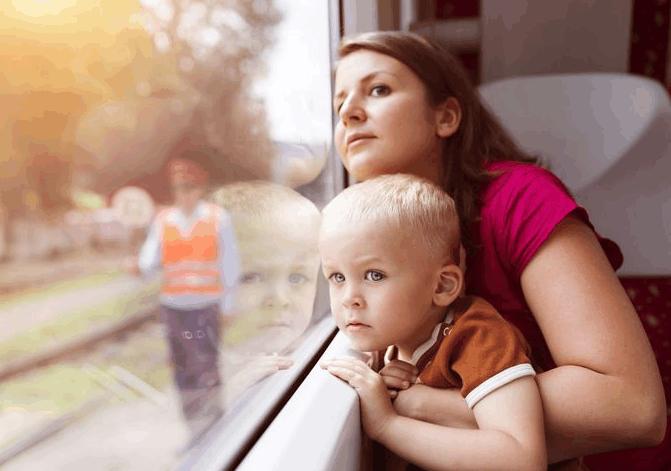 全职妈妈带孩子到底累不累? 丈夫大闹没有为他准备晚饭