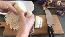 金针菇学会这种吃法,比涮火锅好吃多了,做法一看就会,喜欢吗?