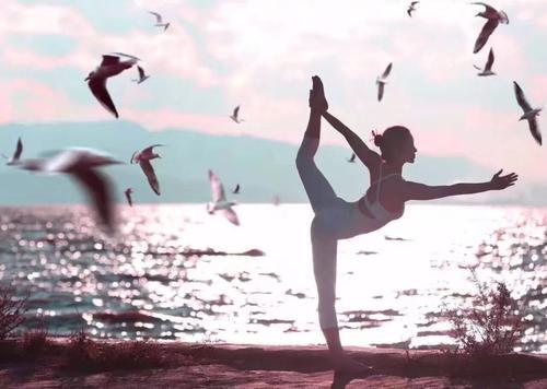张予曦的身材真的足够让人惊艳,坚持练这组动作让你拥有美腿