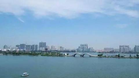 东昌湖风景名胜区,位于国家历史文化名城——聊城市西南,隶属东昌府