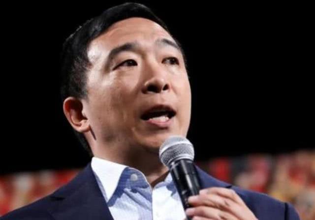 杨安泽抢先在感恩节前公布自己纳税申报单, 特朗普仍未公布