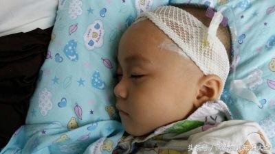 """3岁男童总是高烧不退, """"无知""""宝妈胡乱用药, 害得宝宝不治而亡"""