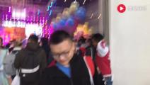 梦幻西游: 李永生嘉年华现场厕所门口蹲点三冠王二狗还跟粉丝合影