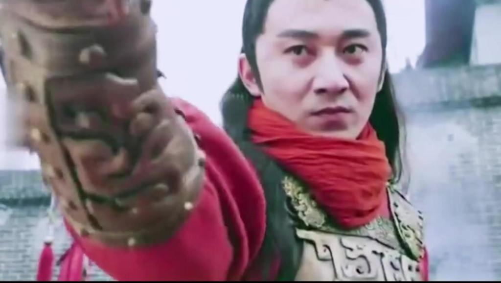 隋唐好汉除了李元霸能跟宇文成都过上招,还有一个人能,进来看看