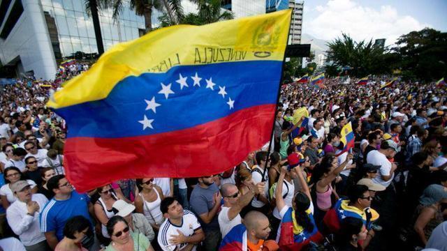 委内瑞拉都民不聊生了, 为何政权没被推翻, 马杜罗还能稳坐总统