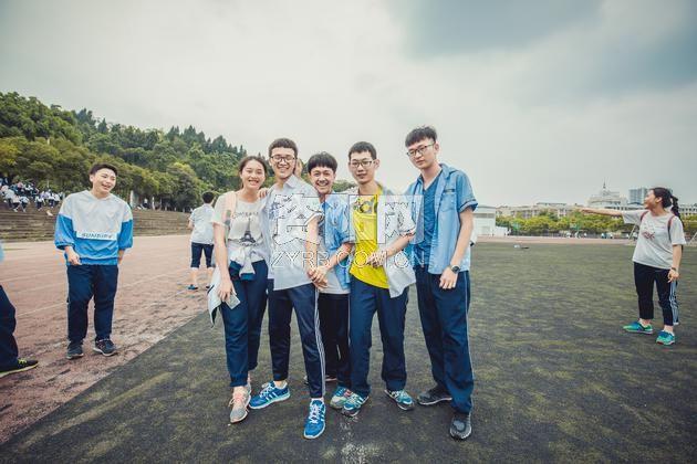 青春毕业季 资阳中学高三毕业照图片
