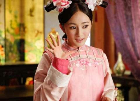 同穿粉色古装, 赵丽颖可爱呆萌, 杨幂古灵精怪, 却都远不及她!