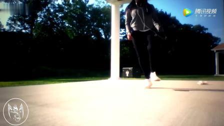极为少见的黑人女生跳鬼步舞,黑妹尬舞国人不同凡响 广场舞妹子