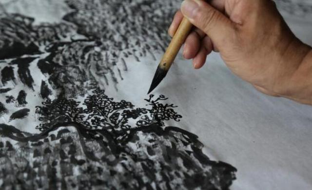 安徽教师38年只画一幅画, 欠债80万  大师: 这样坚持, 值吗