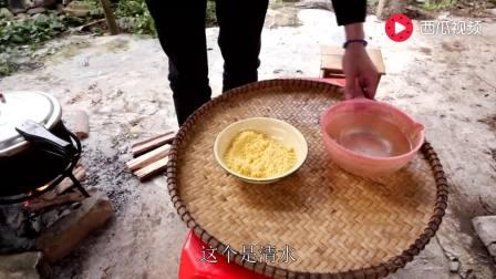 """""""红米饭那个南瓜汤""""农村师爷边煮粥边唱歌, 致敬老一辈艰苦岁月"""