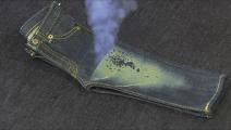 牛仔裤是如何做旧的,激光扫一下就成了