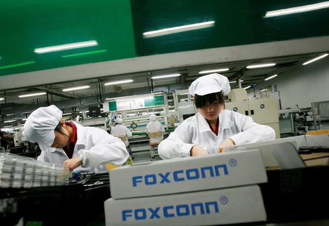 """苹果生产线转至印度, """"iPhone之城""""郑州会有哪些变化"""