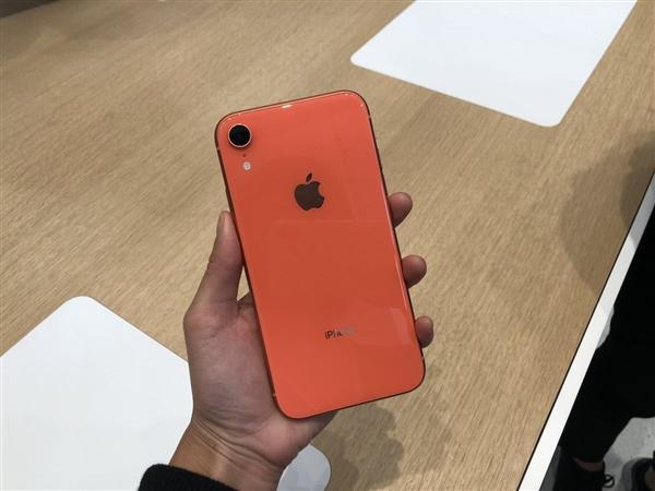 新iPhone销售不给力: 苹果欲狂降价促销拯救销量
