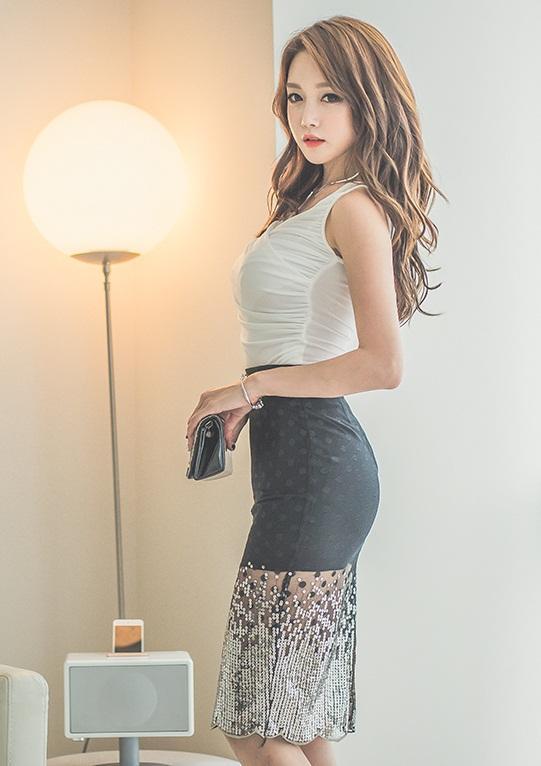 蕾丝半身裙_百搭蕾丝半身裙轻松塑造出女性甜美优雅的气质