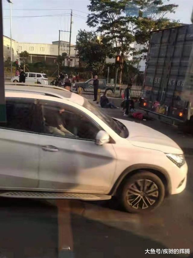 广东省深圳市龙华区1死2伤惨烈事故解析:全因厢式货车突然失控