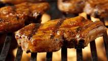在太新奇,喜马拉雅盐来烤肉,味道美味又天然