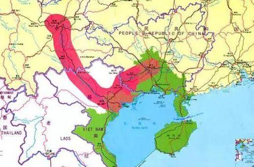 同时,越南一直在南海渲染中国威胁论,认为中国的造岛和岛上军事化的布