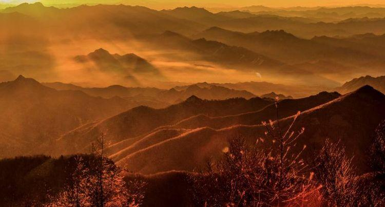 大气磅礴秀美壮观的雾灵山