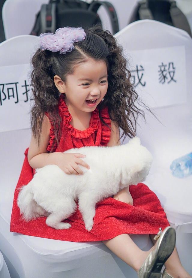 阿拉蕾最软萌可爱的12张照片拿走不谢! 最后一张好像年画宝宝