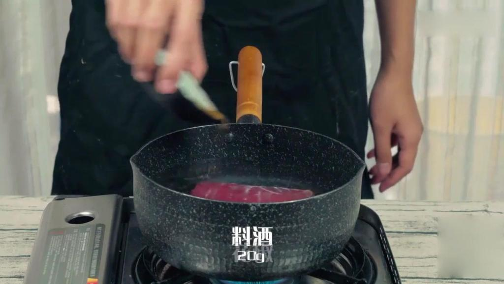 5分钟在家学会做辣酱,都快胜过老干妈!辣