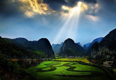 沿途可通达车田景区,云漫湖景区,高峰山景区,平坝农场樱花园等特色
