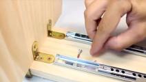 如何制作一台迷你电钻工作台?