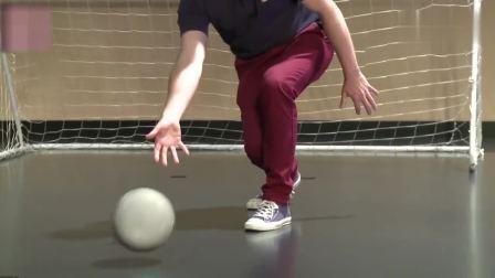 机器人踢球,这脚法和内马尔比怎么样?