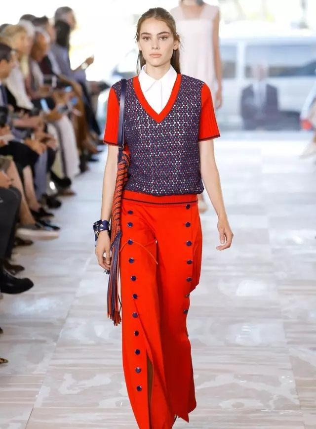 毛线半身裙编织_就是不好好穿衣, 夏天要用这样一件毛线衣打造时髦感