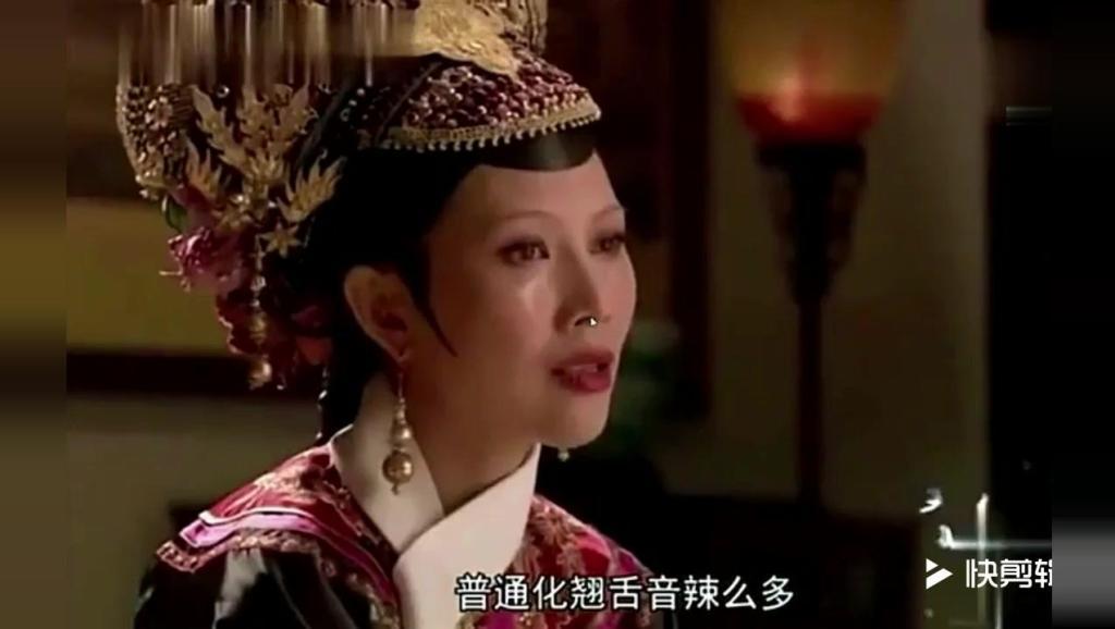 别逼一个香港人说普通话,当蔡少芬把配音关掉,能把人笑翻